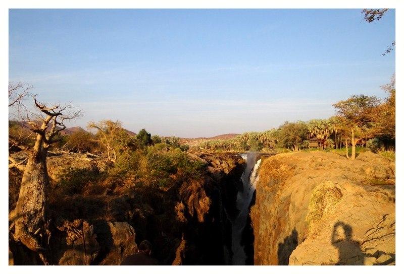 Aux chutes d'Epupa en Namibie